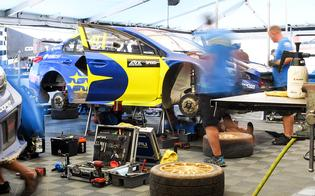 After Speed's gearbox failed in the second semi-final heat, the Subaru technicians changed the transmission in a lightning-quick 15 minutes to put him back on the grid for the final.