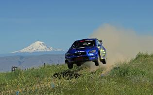 David Higgins and Craig Drew crest the Boyd Loop Jump on the way to victory at the 2019 Oregon Trail Rally.