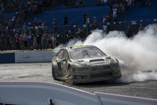 Patrik Sandell executing victory doughnuts at GRC Seattle