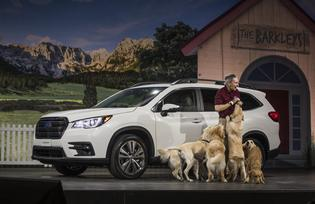 ALL-NEW 3-ROW SUBARU ASCENT MAKES WORLD DEBUT AT LOS ANGELES AUTO SHOW® WITH DOGS BEHIND THE WHEEL